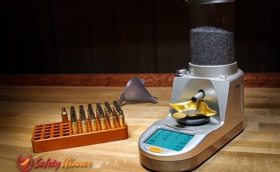 How to Weigh Powder on a Reloading Scale?